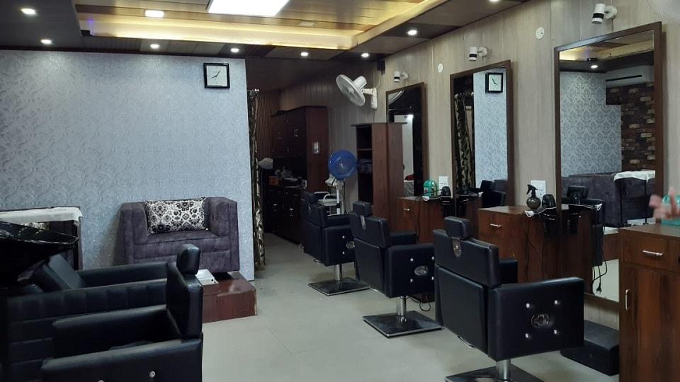Monalisa Unisex Salon VIP Road Zirakpur