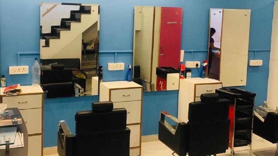 Aarvee Unisex Salon Phase-5 Mohali