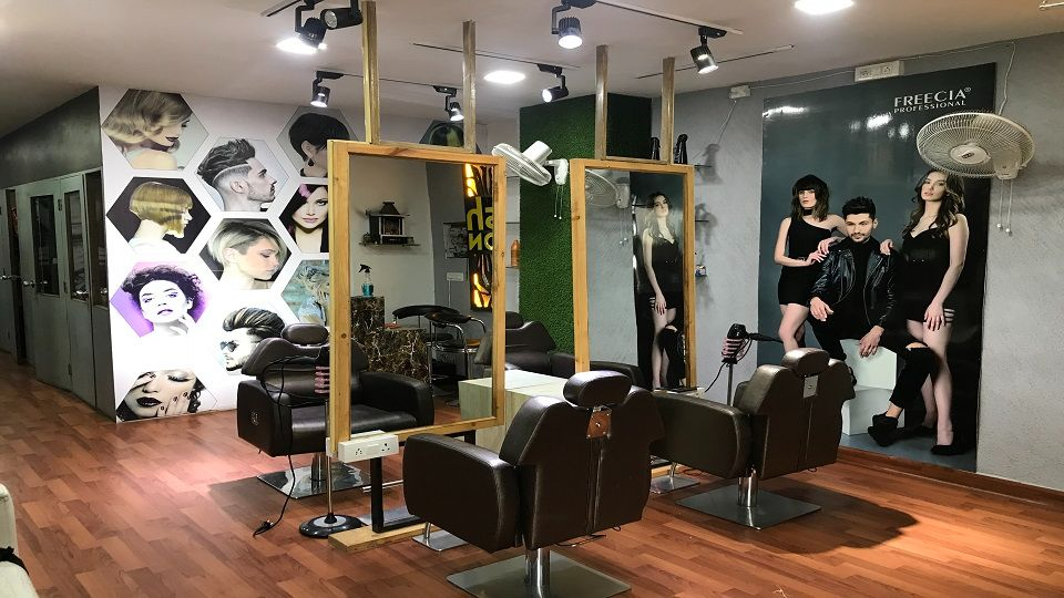 offers and deals at Plush Beauty Lounge Ambala - Chandigarh National Highway in Zirakpur