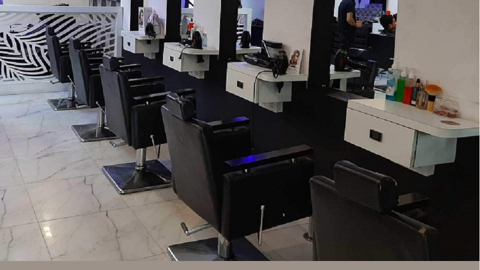 offers and deals at Gk & Guy Salon Sector-44 in Chandigarh