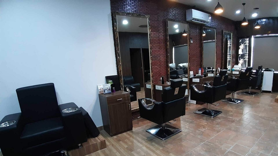 offers and deals at Hair Scissor Panchkula Sector-20 in Panchkula