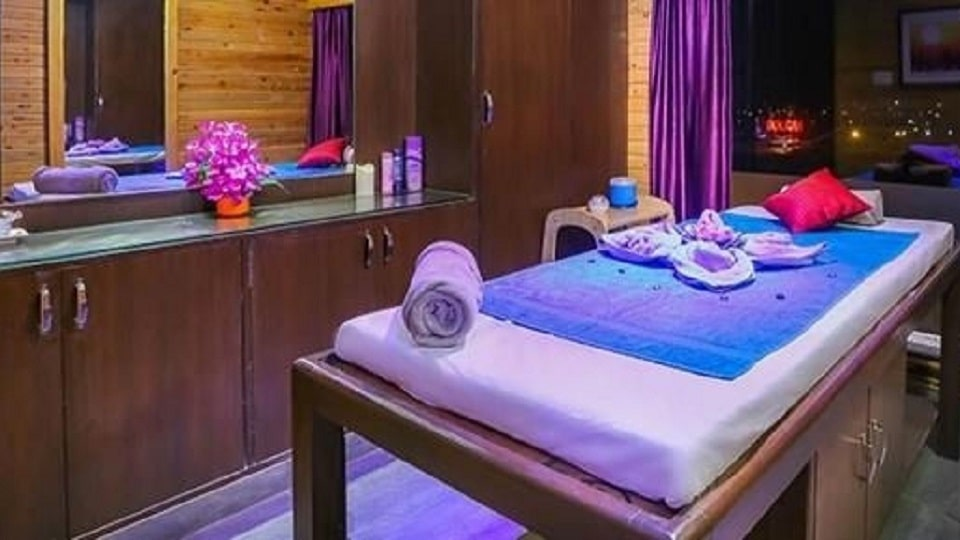 offers and deals at Zion Spa - Regenta Almeida chandigarh- zirakpur road in Zirakpur