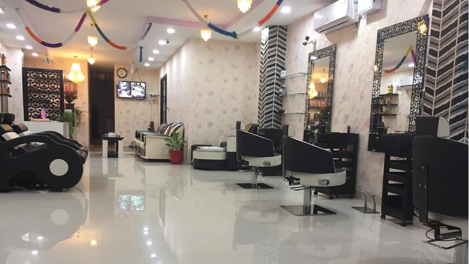 M-Rich Family Salon Kharar