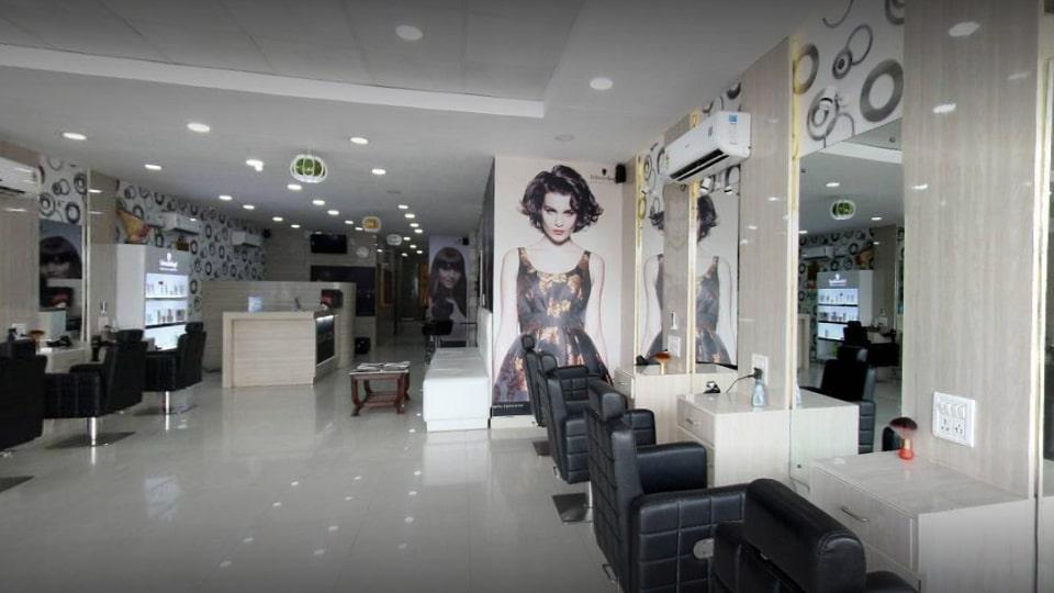 offers and deals at Glamzone Hair Salon Zirakpur Baltana in Zirakpur