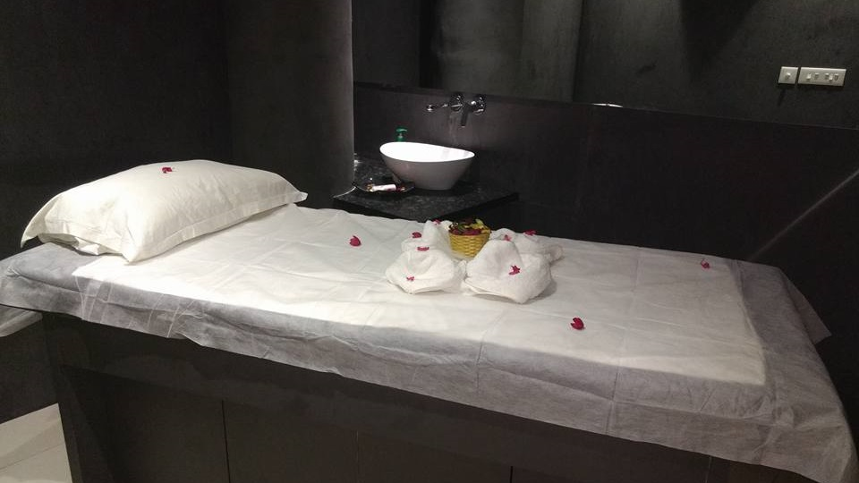 offers and deals at Moksha Spa Sector-16 in Panchkula
