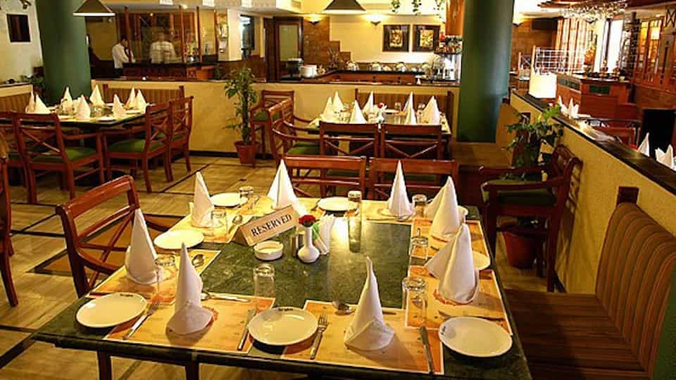 offers and deals at Salad Bar Buffet Deals - Hot Millions Sector-17 in Chandigarh
