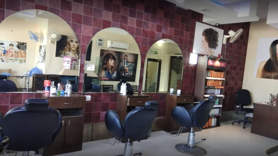 Bombshell Salon Chandigarh