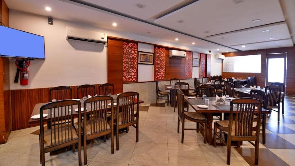offers and deals at Royal Dawat - Hotel Royal Castle Zirakpur-Shimla Highway in Zirakpur