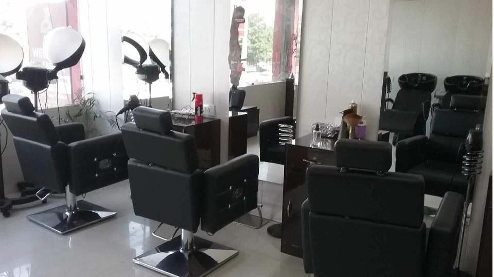 offers and deals at Hair Raiserz Phase 7 Phase-7 in Mohali