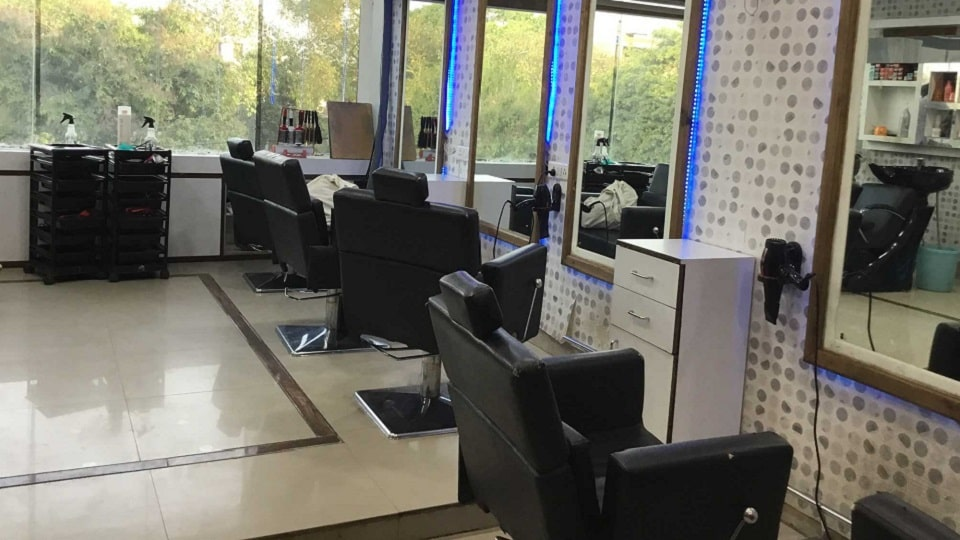 offers and deals at Radiant Lounge Unisex Salon Sector-70 in Mohali