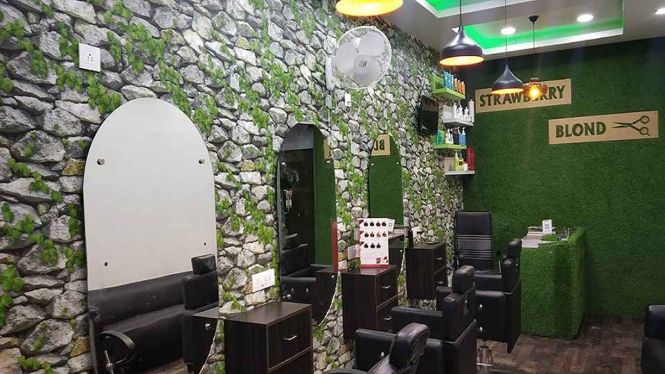 offers and deals at Strawberry Blond Unisex Salon Phase-10 in Mohali