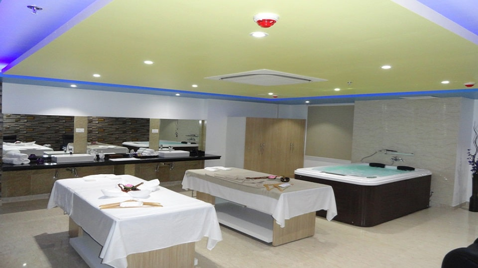 offers and deals at Cosmopolitan Wellness Spa Sector 4 MDC in Panchkula
