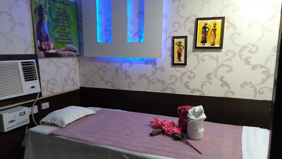 offers and deals at HighLand Spa Sector-35 in Chandigarh