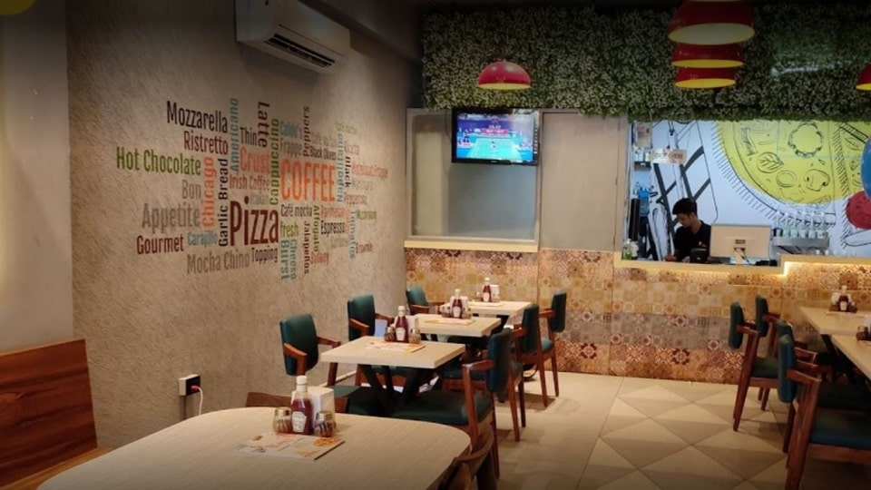 offers and deals at Caldo's pizza and Cafe Sector-35 in Chandigarh