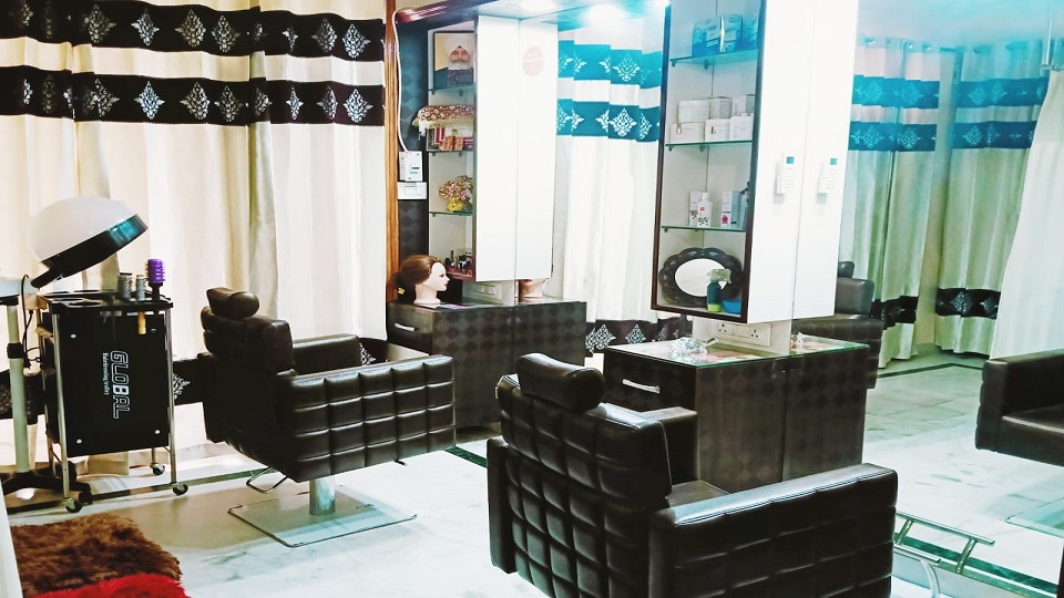 offers and deals at Elegance The Beauty Studio Sector-20 in Panchkula