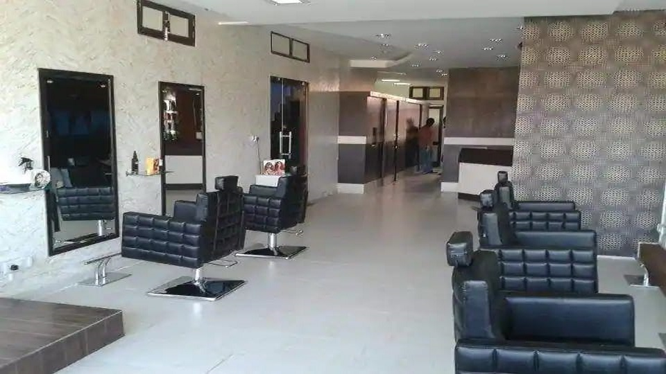 offers and deals at Wateva Unisex Salon Sector-10 in Panchkula
