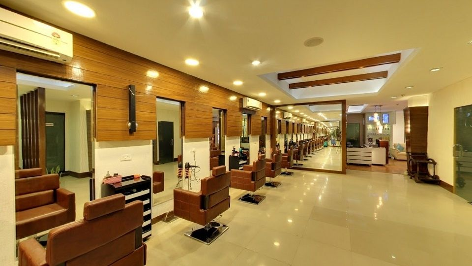 offers and deals at Roots De Salon Cafe Phase-5 in Mohali