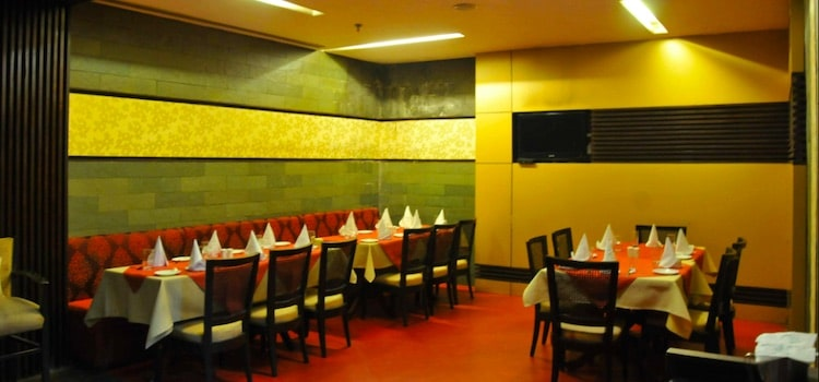 offers and deals at Lamhe Restaurant - Pallavi Hotel Sector-5 in Chandigarh
