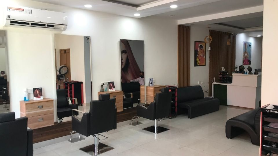 offers and deals at Masters Salon Sector-35 in Chandigarh