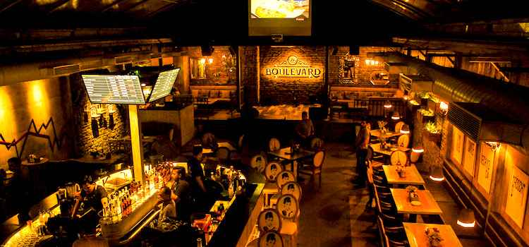 Intoxicating Booze Meets Delicious Food At This NYC Themed-Bar Exchange In Chandigarh
