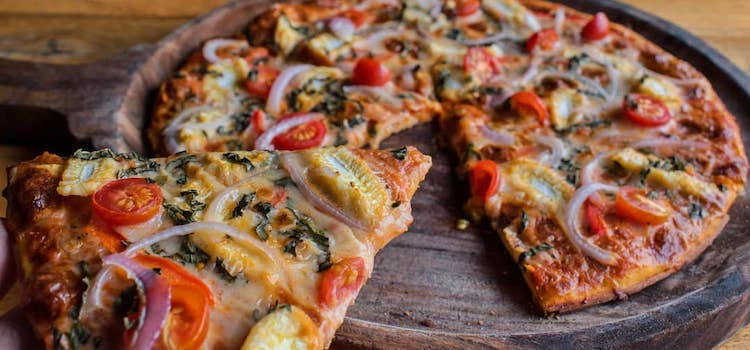 Best Pizza In Ahmedabad For All Pizza Lovers!!