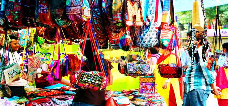 Head To The Cheapest Markets In Delhi To Satiate Your Inner Shopaholic!