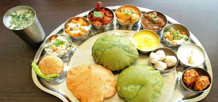 Get Your Hands On These Mouthwatering Navratra Thalis Served In Ludhiana