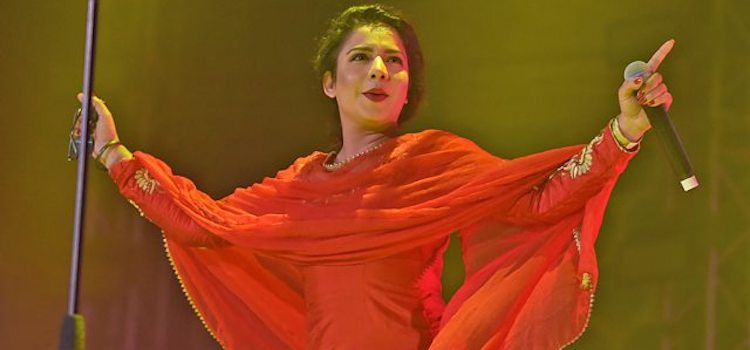 Jasmine Sandlas: The Singing Punjabi Mutiyar
