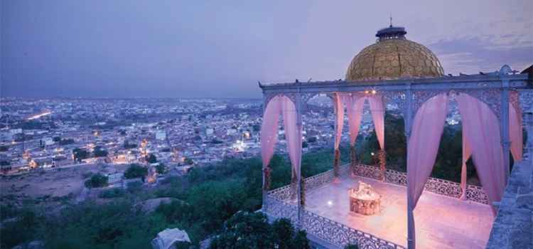 Top 8 Romantic Places In Hyderabad To Spend Your Valentine's Day
