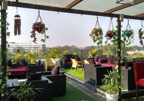 Bali's Rooftop Lounge