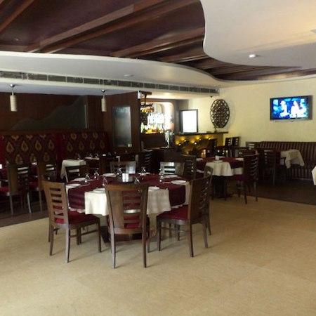 Buffet Lounge   Hotel KLG International